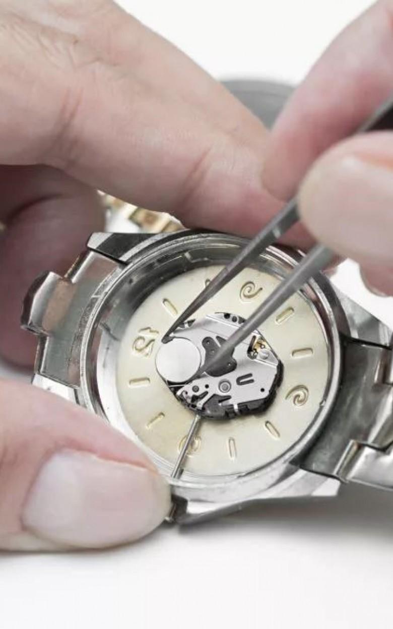 Часах в стоимость батарейки замена заря ссср золотые часы продам