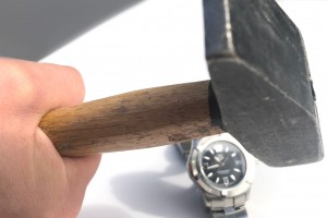 С каким стеклом выбрать часы