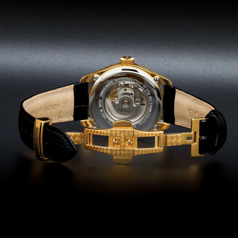 Никто больше не желал выпускать механические часы, за исключением нескольких люксовых марок.