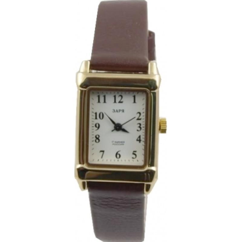 В нашем магазине вы сможете купить очень дорогие наручные часы из красного, желтого и белого золота.