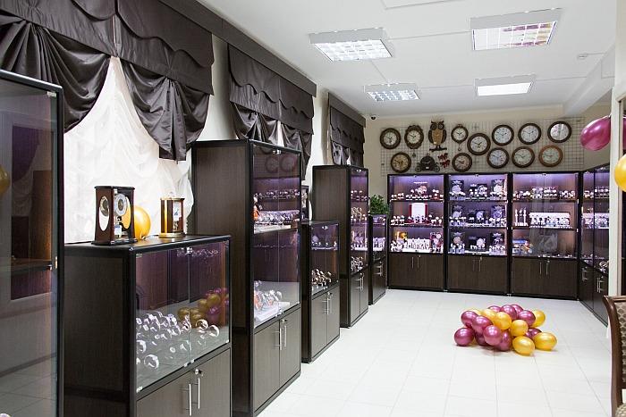 097fb84bf661 Часовой салон Русские часы в Новосибирске. Магазин в Новосибирске закрыт.  Сервисное обслуживание продолжает осуществлять мастер по договору. Магазин.  int1
